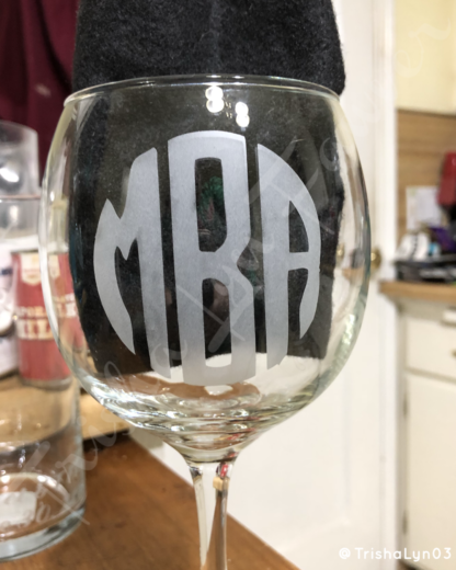 Etched Circular Monogram Wine Glass