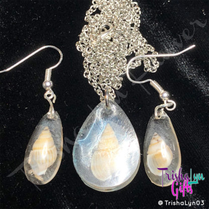 Resin Sea Shell French Hook Earrings & Necklace